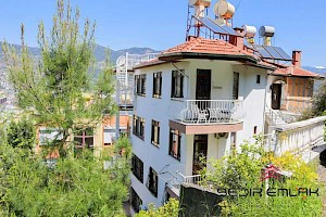 Sea , mountain and city view 3+1 duplex for sale in Alanya castle alanya