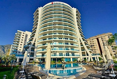 Luxury complex in  advantageous location, separated from the sea only by a municipal parkline alanya