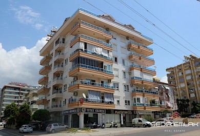 Nice 3+1 Apartment with pool for sale in Alanya city center alanya