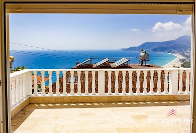 Luxury duplex has a view on Cleopatra beach for sale in Alanya city - Turkey alanya